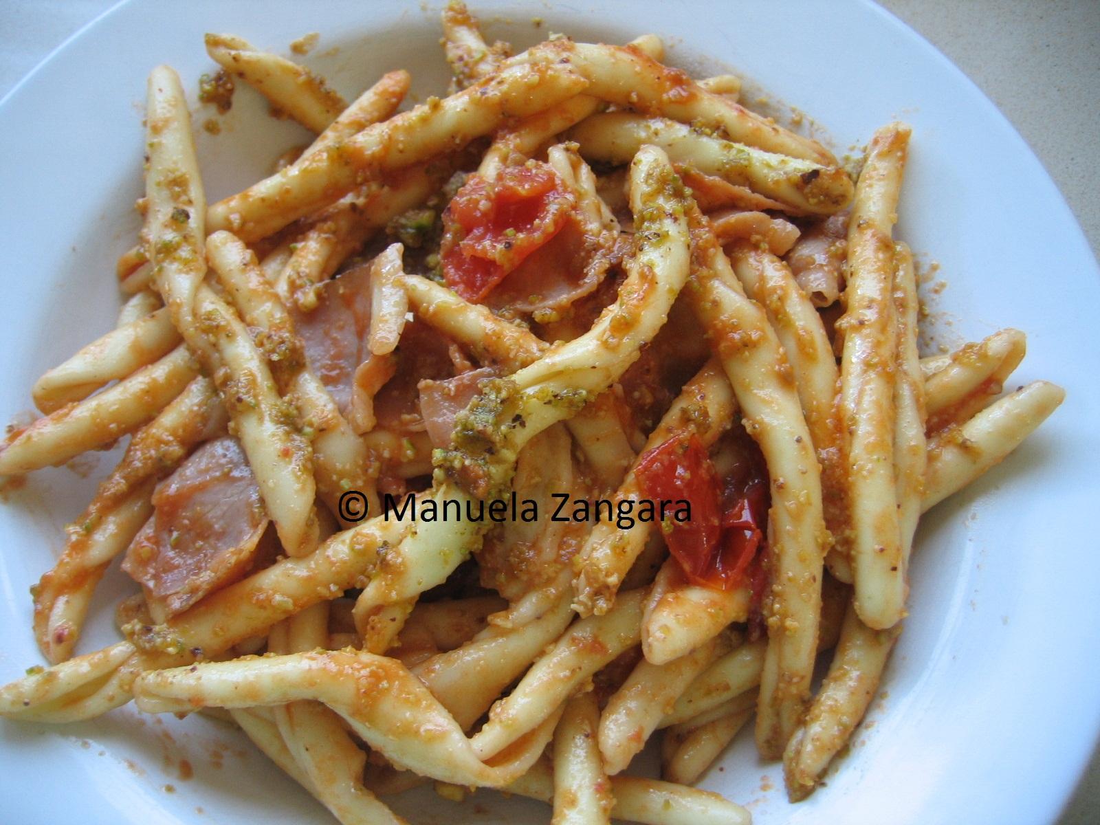 Strozzapreti with speck and pistachio pesto
