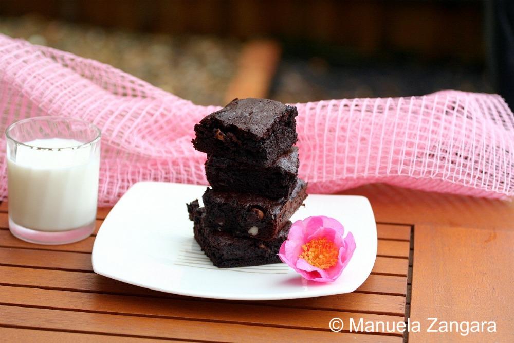 Dark Chocolate and Macademia Nut Brownies