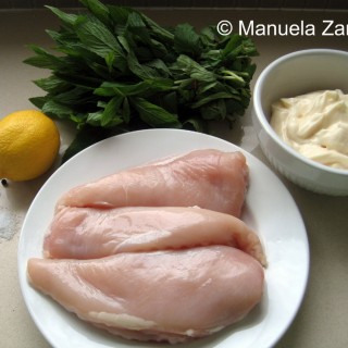 POACHED CHICKEN BREASTS IN A MINT SAUCE