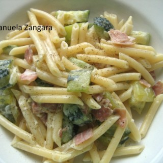 Penne with zucchini and speck