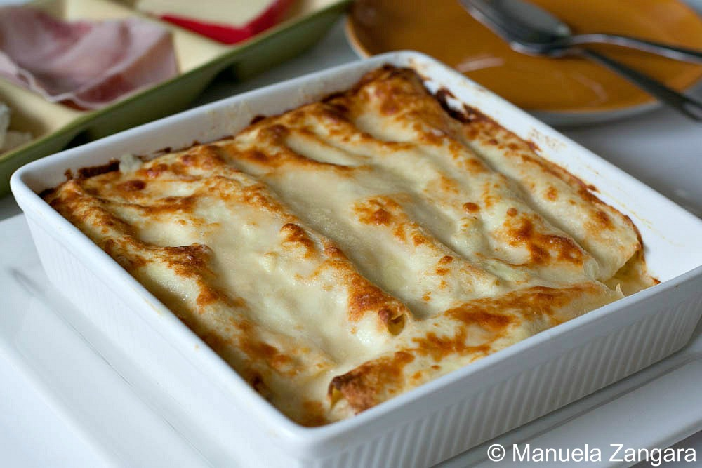 Cannelloni with ricotta, ham and fontina