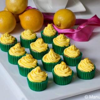 Vanilla and Lemon Mini Cupcakes