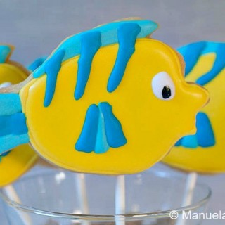 Flounder Shortbread Cookie Pops