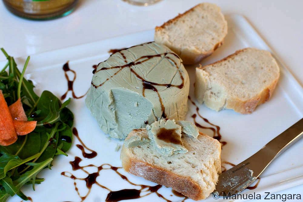 Honey and Gorgonzola Piquant Terrine with Balsamic GlazeHoney and Gorgonzola Piquant Terrine with Balsamic Glaze