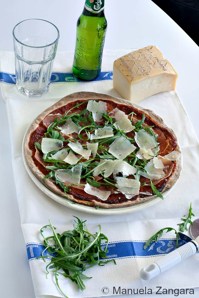 Prosciutto, Rocket and Grana Cheese Pizza