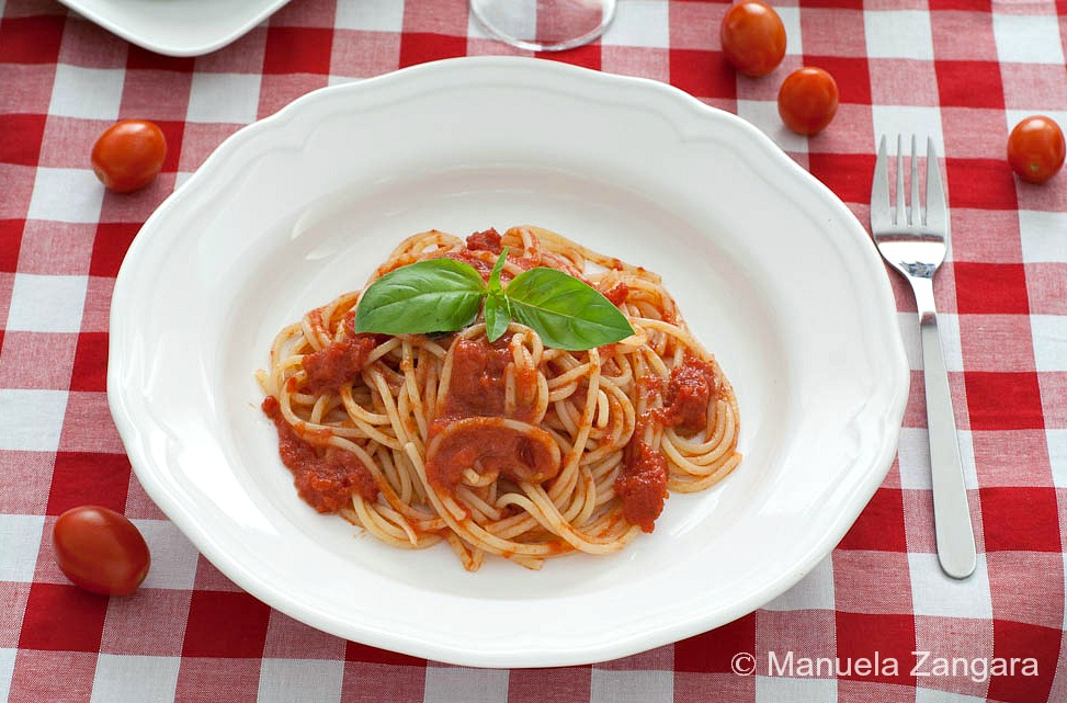 Homemade Italian Spaghetti Sauce Recipe With Fresh Tomatoes