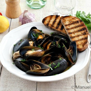 IMPEPATA DI COZZE – PEPPERED MUSSELS