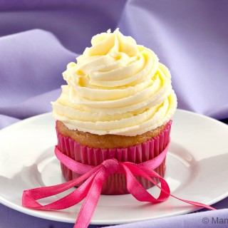 Vanilla Cupcakes with Jasmine Buttercream