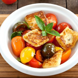 Mixed Tomato and Halloumi Salad