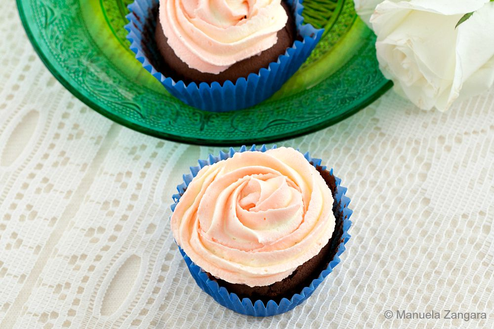 Two-tone Rose Cupcakes