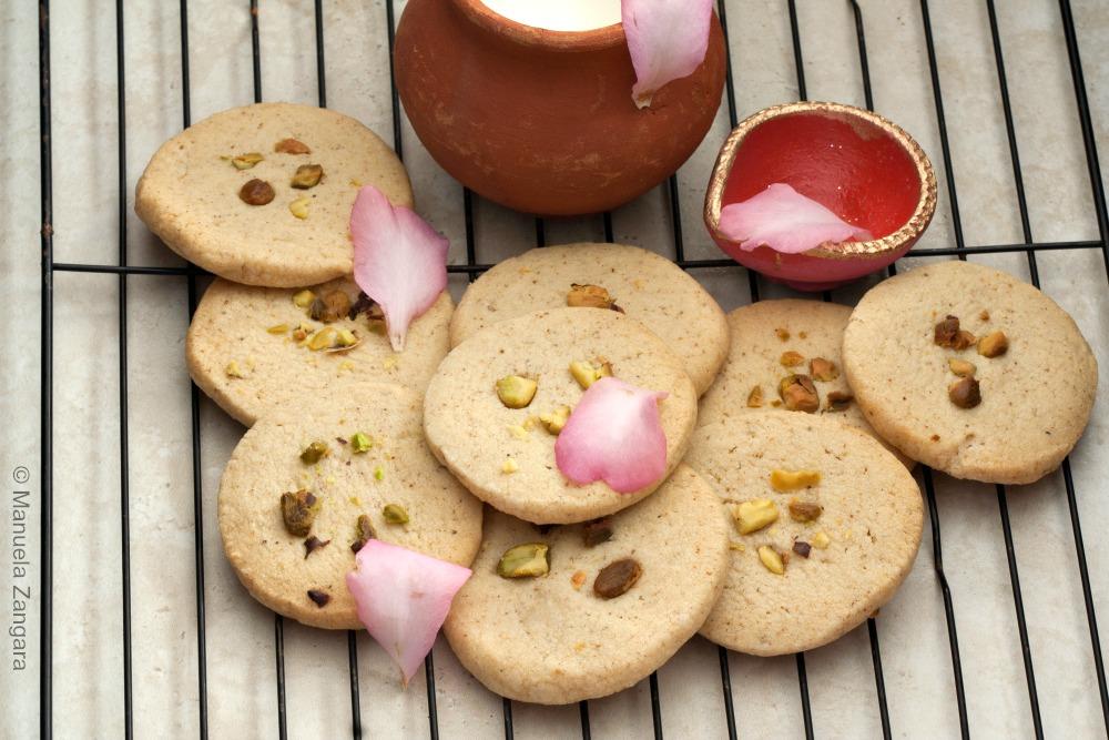 Eggless Thandai Cookies