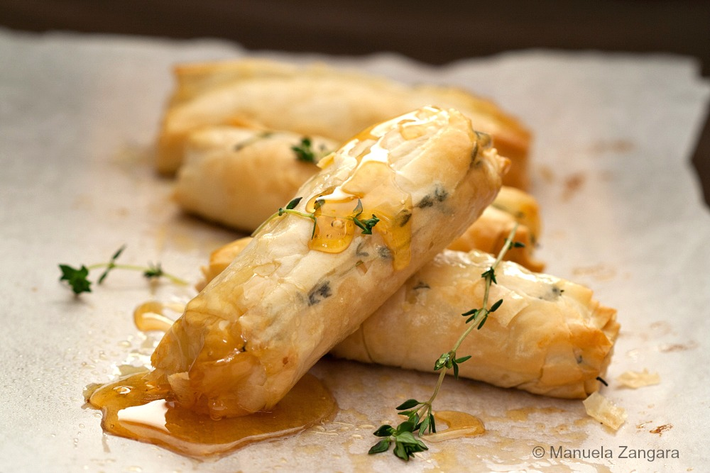 Baked Goats Cheese Rolls with Honey and Thyme