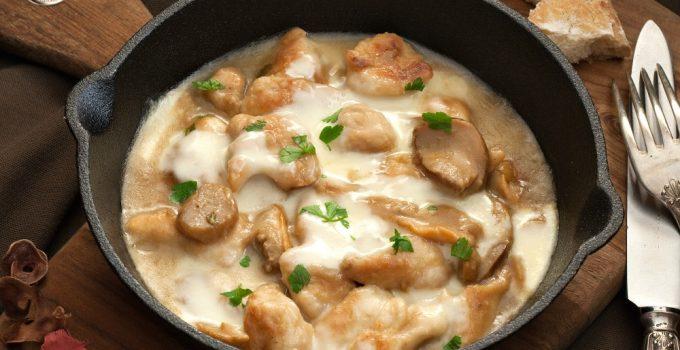 Mushroom and Mozzarella Skillet Chicken