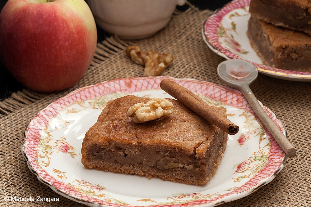 Vegan Apple Spice Cake