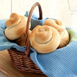 Olive Oil Snail Bread Rolls
