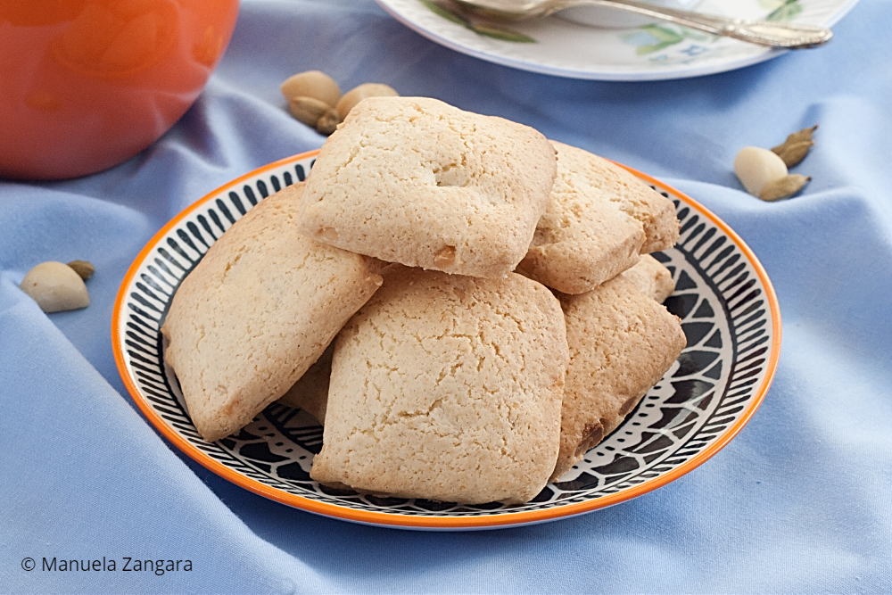 Low Fodmap Macadamia Cardamom Shortbread