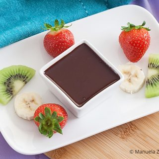 Low Fodmap Dark Chocolate Dipping Sauce